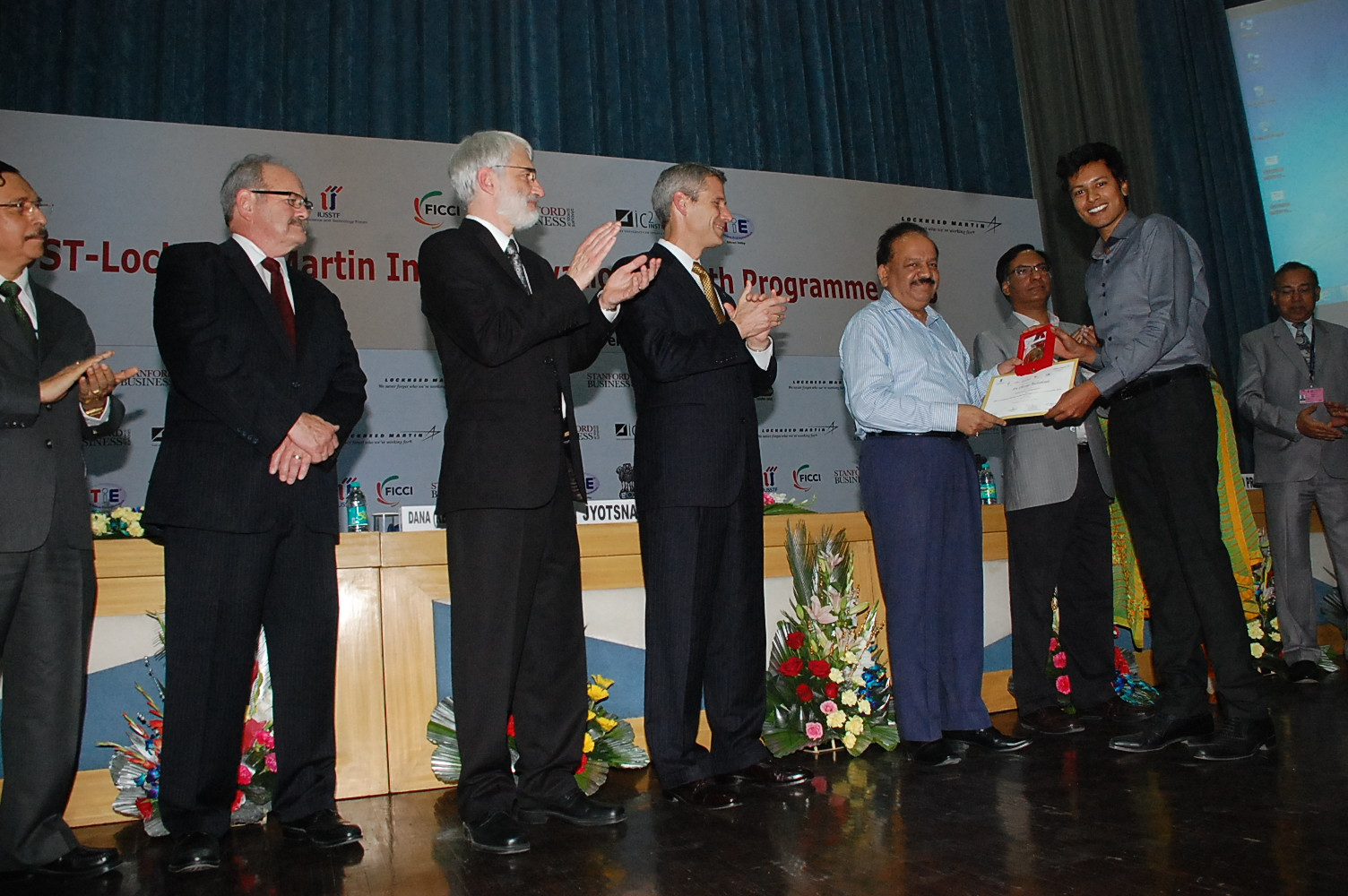 Lockheed Martin, Stanford GSB, Univ of Texas IC2, FICCI, USSTF copresenting the award